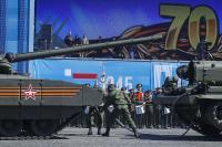 Почему «Армата» остановился на репетиции Парада Победы Новости