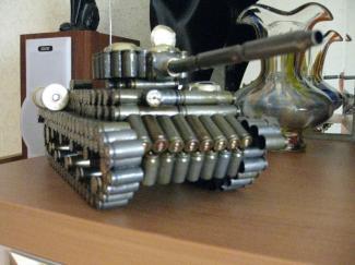 как сделать танк из гильз