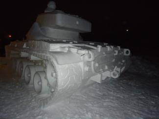 танковик 2014 танк из снега